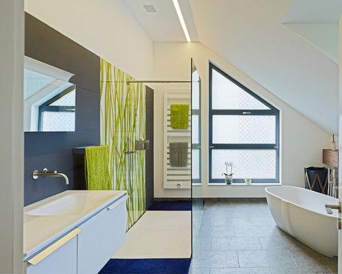 badezimmer mit integriertem waschbecken und offener dusche design ideen beispiele f r die. Black Bedroom Furniture Sets. Home Design Ideas