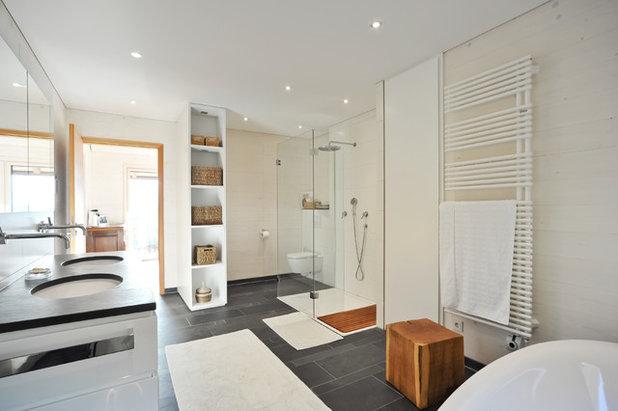 Modern Badezimmer By Architekturbüro Schaub