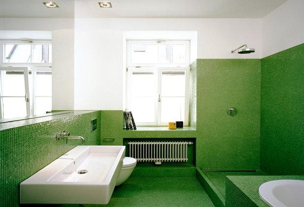 Contemporary Bathroom by Matthias Bjørnsen I Architekt
