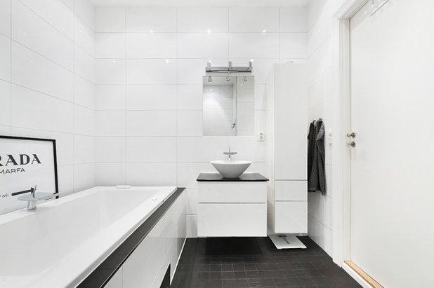 Scandinavian Bathroom by Simon Donini | photographer