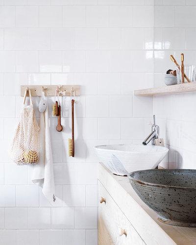 Aménagement de petites salle de bains : 20 astuces de rangement