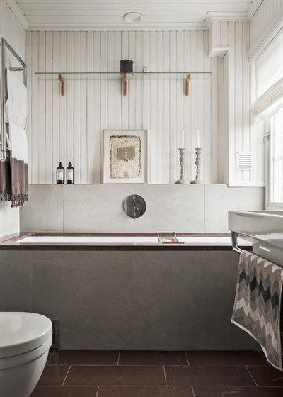 Nórdico Cuarto de baño by Kronfoto