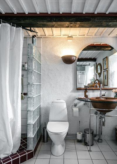Кантри Ванная комната Lantlig Badrum