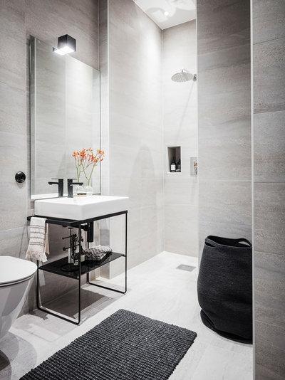 Contemporary Bathroom by Entrance Fastighetsmäkleri