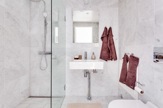 Contemporary Bathroom by Inne