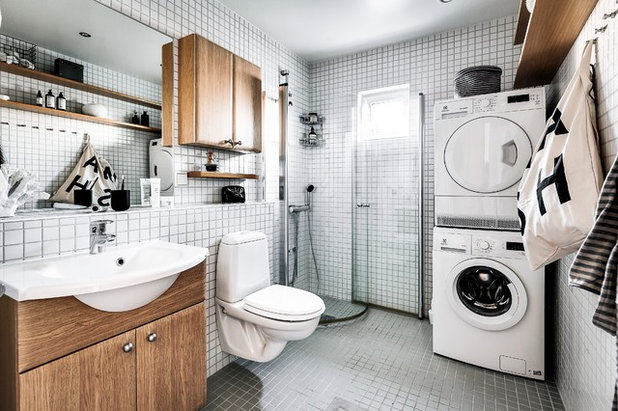 Scandinavian Bathroom by dream design sthlm
