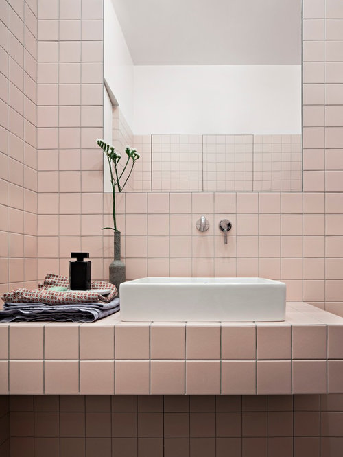 photos et id es d co de wc et toilettes modernes avec un carrelage rose. Black Bedroom Furniture Sets. Home Design Ideas