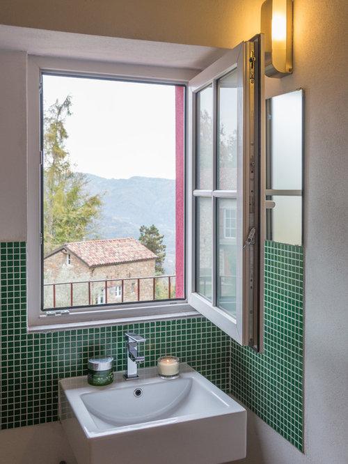 Piccolo bagno con piastrelle verdi - Foto, Idee, Arredamento