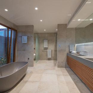 Aménagement d'un WC et toilettes exotique.
