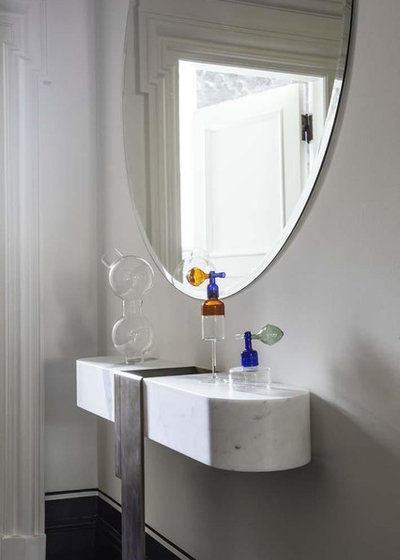 Victorian Powder Room by DC10 Architects