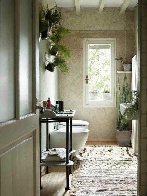 landhausstil g stetoilette g ste wc mit hellem holzboden ideen f r g stebad und g ste wc design. Black Bedroom Furniture Sets. Home Design Ideas