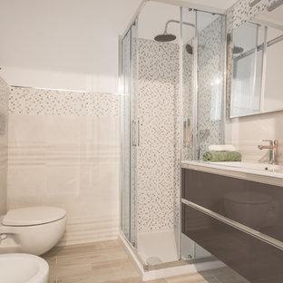 На фото: маленький туалет в скандинавском стиле с плоскими фасадами, коричневыми фасадами, инсталляцией, бежевой плиткой, керамогранитной плиткой, белыми стенами, полом из керамогранита, накладной раковиной, мраморной столешницей, бежевым полом и белой столешницей с