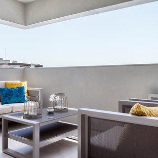 Modelo de balcones minimalista, pequeño, en anexo de casas