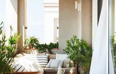 Dos and Don'ts of Teensy Balconies