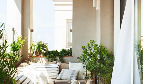 Dos and Don'ts of Itsy Bitsy Balconies
