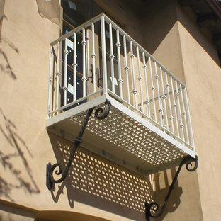 Идея дизайна: балкон и лоджия в средиземноморском стиле