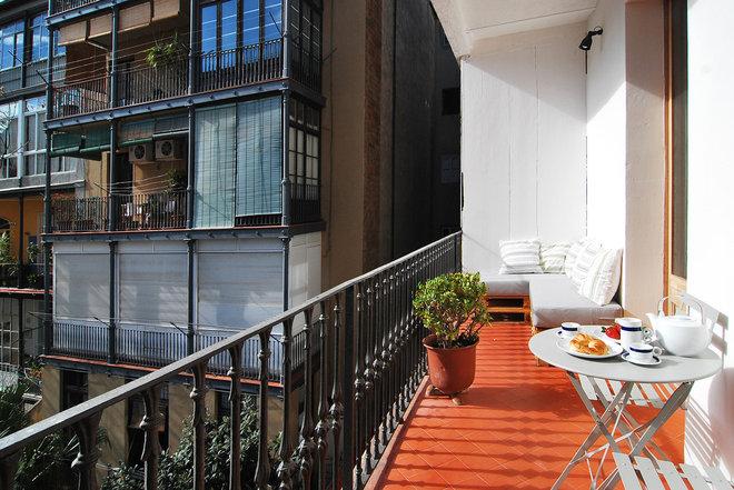 Mediterráneo Terraza y balcón by Vera Sanchez Guasch