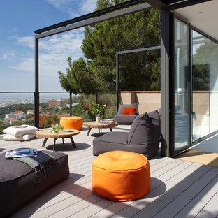 Diseño de balcones contemporáneo, de tamaño medio, con toldo