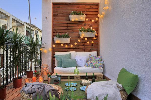 Mediterranean Balcony by Decora y vende. Revaloriza tu espacio.