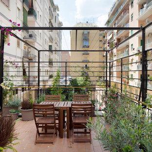 Свежая идея для дизайна: балкон и лоджия в средиземноморском стиле в квартире - отличное фото интерьера