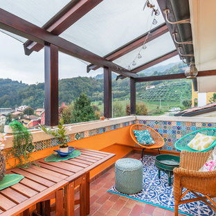 На фото: балконы и лоджии в средиземноморском стиле без защиты от солнца