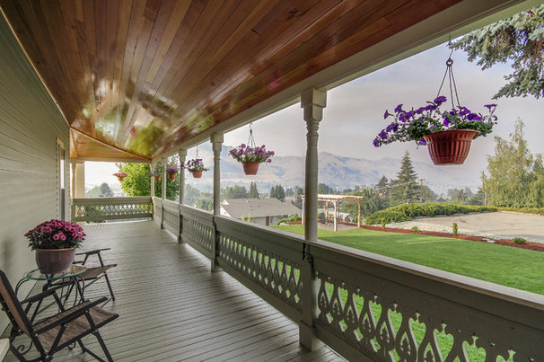 Traditional Porch by Travis Knoop Photography