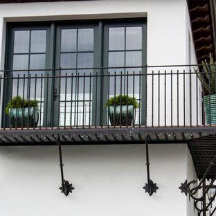 Неиссякаемый источник вдохновения для домашнего уюта: балкон и лоджия в средиземноморском стиле