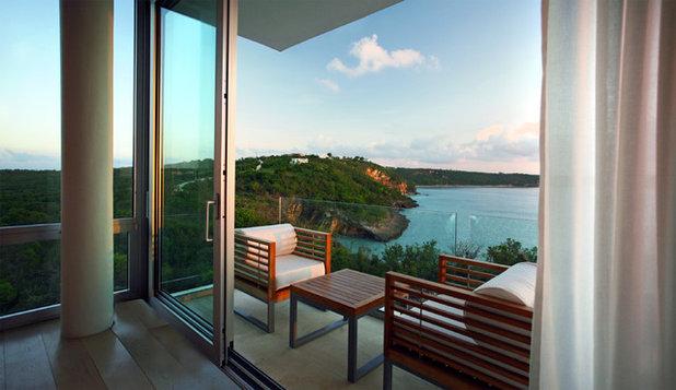 Тропический Балкон и лоджия by SKOLNICK Architecture & Design Partnership