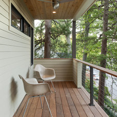 Modern Porch by REVE Design Studio, Inc.