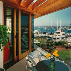 Modern Deck by Ron Yeo, FAIA Architect