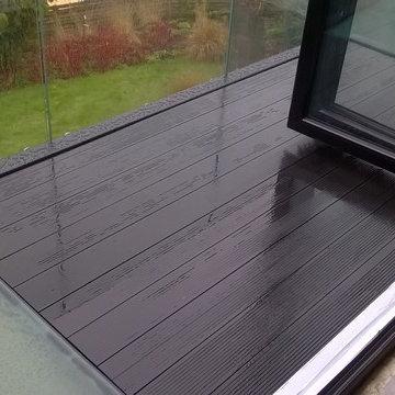 Balcony with Glass Floor