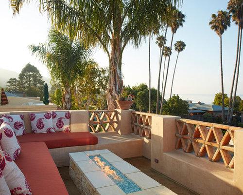 Large mediterranean balcony design ideas remodels photos for Mediterranean balcony ideas