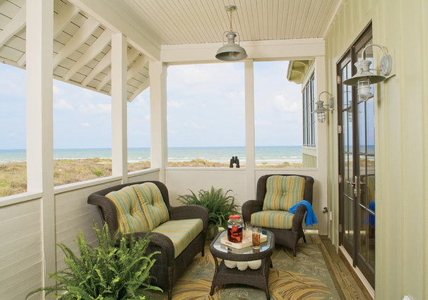 Beach Style Porch by Dungan Nequette Architects