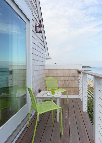 Beach Style Balcony by Gaita Interiors