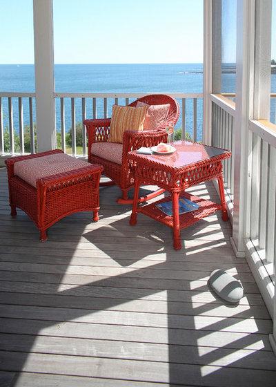 Beach Style Balcony by Penelope Daborn Ltd.