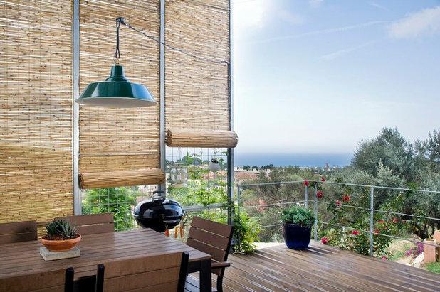 Современный Балкон и лоджия by NOEM