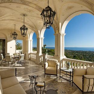 Ban công - ý tưởng ban công Địa Trung Hải ở Santa Barbara với phần mở rộng mái