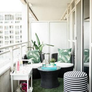 Ejemplo de balcones exótico, de tamaño medio, en anexo de casas