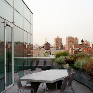 Design ideas for a contemporary balcony in New York with no cover.