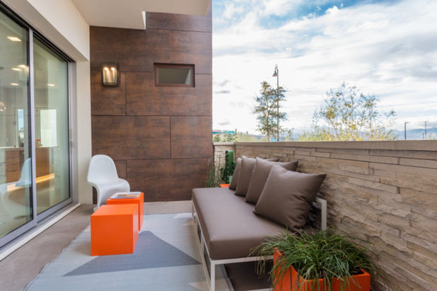 Contemporary Balcony by Responsive Home