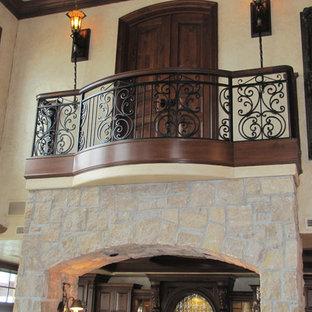 Идея дизайна: маленький балкон и лоджия в средиземноморском стиле без защиты от солнца