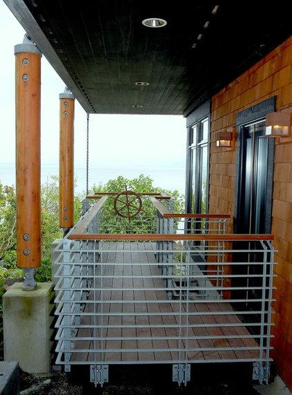 Modern Porch by Dan Nelson, Designs Northwest Architects