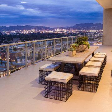 Hollywood Penthouse 2303