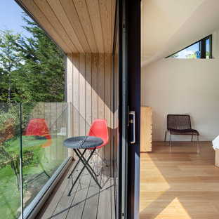 This is an example of a contemporary balcony in Sussex.
