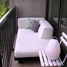 Modern Patio Lucas's Loft