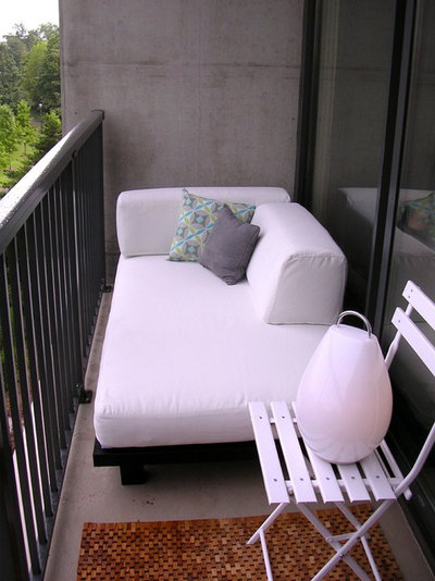 Modern Balcony Lucas's Outdoor Day Bed