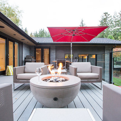 Example of a large trendy balcony design in Vancouver with no cover