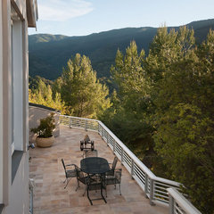 modern patio by mark pinkerton  - vi360 photography