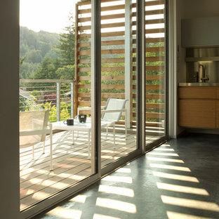 Moderner Balkon mit Sichtschutz in San Francisco
