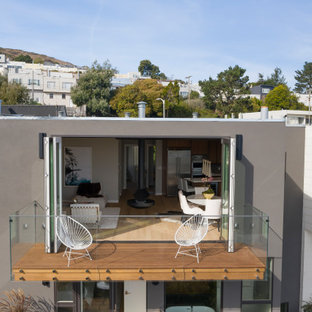 Modern San Francisco Dwelling Enjoys Indoor/Outdoor Living with Folding Doors
